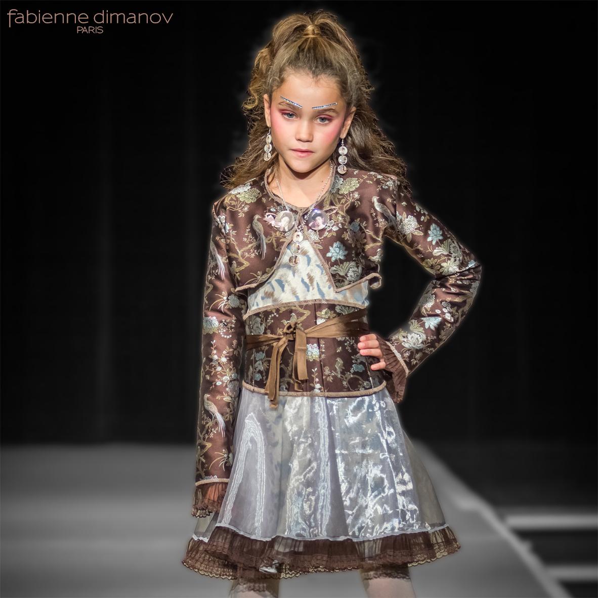 Tokyo - cortège fillette - Fabienne Dimanov Paris